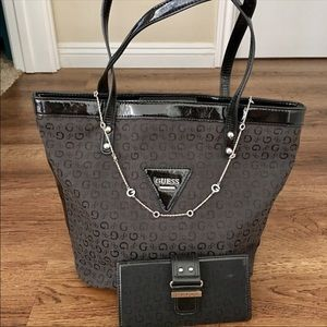 GUESS Tote, GUESS Wallet, GUESS Necklace❤️
